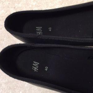 H&M Shoes - H&M Classic black white ballet flats